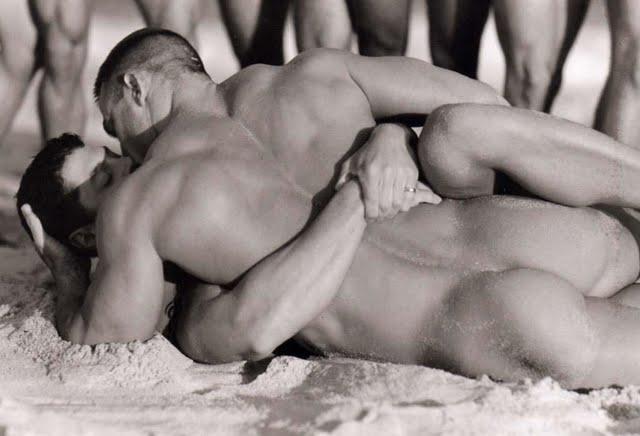 Интимное видео геи. 2365. Добавил. Смотрите также: заказ и продажа гей